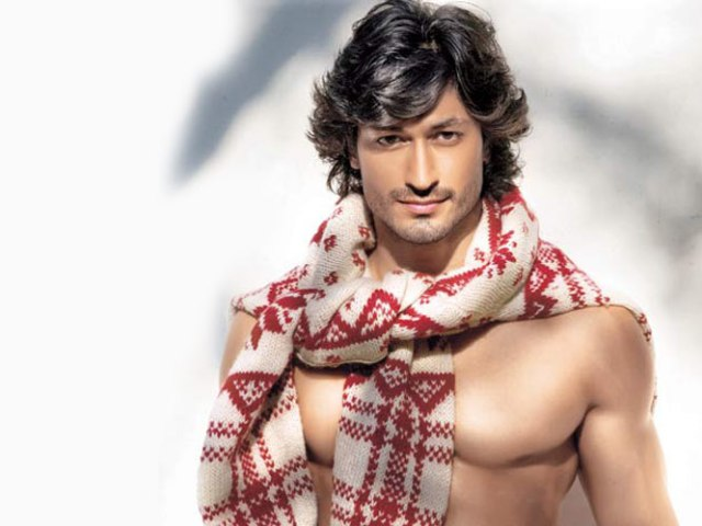 vidyut jamwal workout