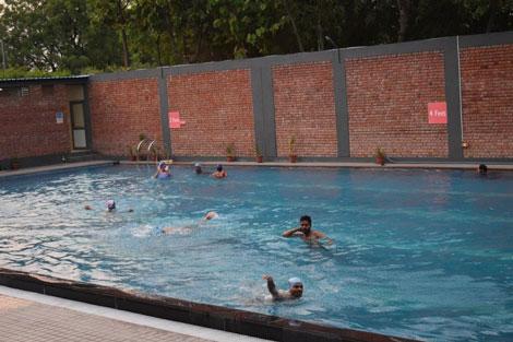 Swimming pools in india - Swimming pool in vaishali ghaziabad ...
