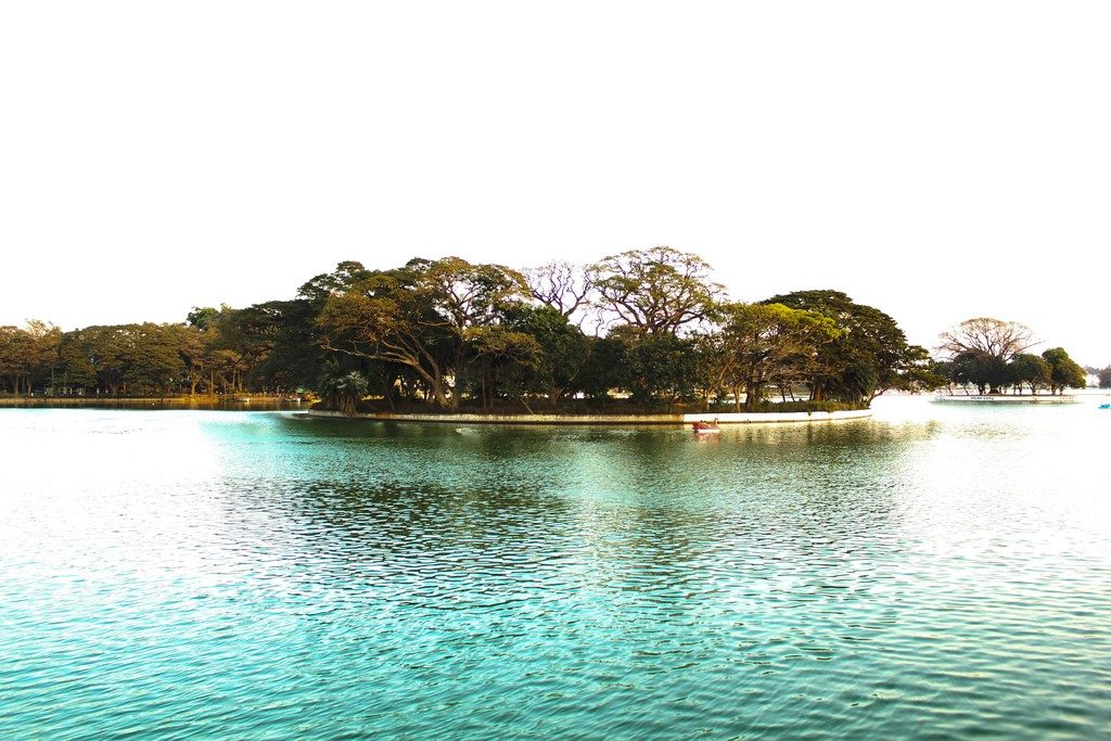 Beautiful Running Tracks in Bangalore - Ulsoor Lake