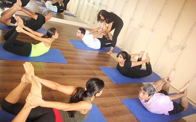 15 Best Yoga Classes In Mumbai To Join Near You Fitso