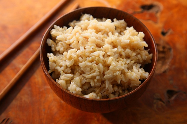 brown rice : iron rich indian foods